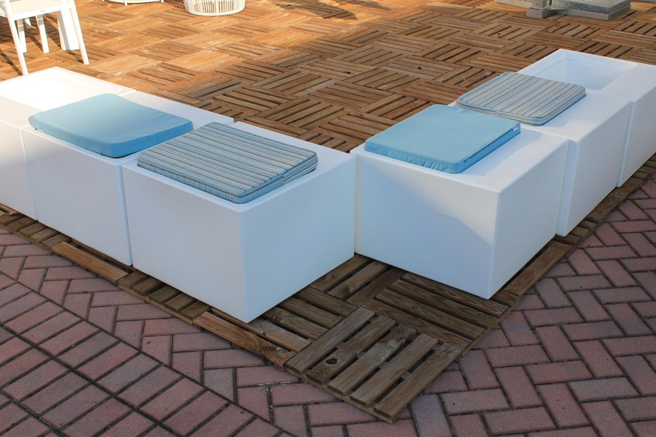 Plebani arredamenti sedute da esterno varaschin for Sedute da esterno